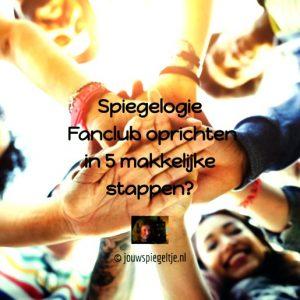 Iedereen kan een spiegelogie fanclub oprichten, van jong tot oud, op de foto een group mensen die elkaars handen vasthouden