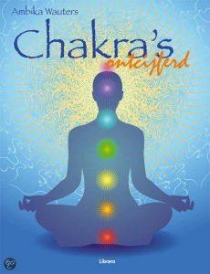 Chakra's ontcijferd leert je alles over de 7 belangrijkste energiesystemen (chakra's) en hoe je die energiestromen kunt beïnvloeden. Ook chakrahealing komt uitgebreid aan bod!