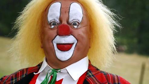 Bassie de clown: wat er ook gebeurt: altijd blijven lachen: dat is de vibratie van in overvloed leven